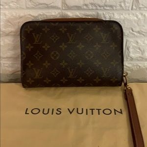 🔥 Authentic Louis Vuitton Orsay Clutch Wristlet